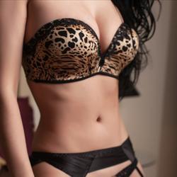 busty  escort erotic nsw